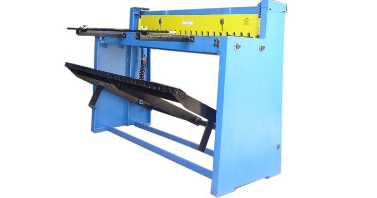 เครื่องตัด เครื่องตัดโลหะแผ่น เครื่องตัดเท้าเหยียบ เครื่องตัดโลหะ Foot Cutting Shear Machine model Q01 1270×1.5mm.